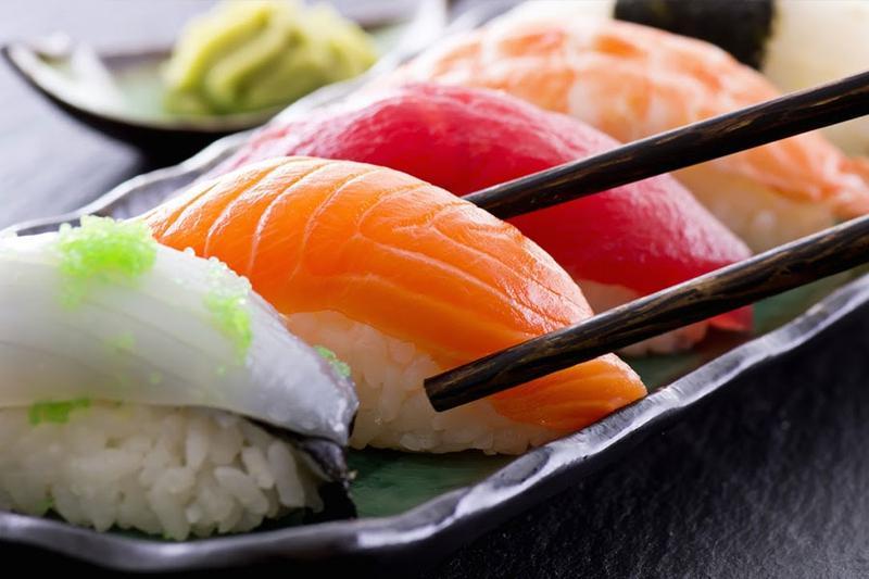 Chế biến các món ngon hấp dẫn nhất từ cá hồi để tổ chức tiệc tại công ty