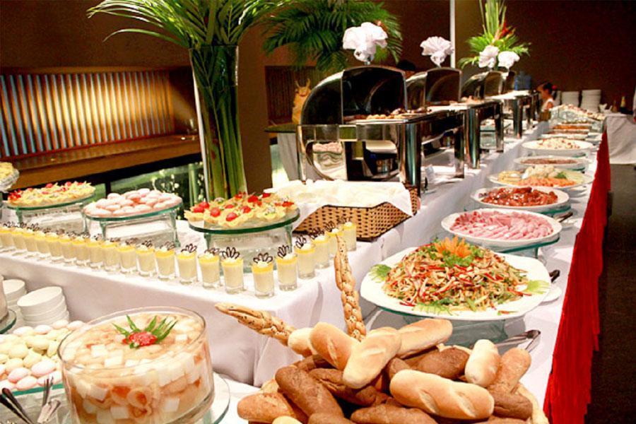 Tiệc công ty trọn vẹn với những món ăn nguội hấp dẫn trong menu buffet