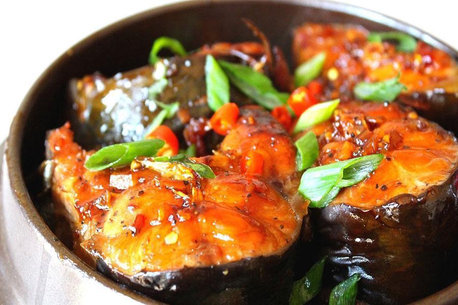 Đặt tiệc gia đình với 5 cách làm món cá kho ngon đúng điệu