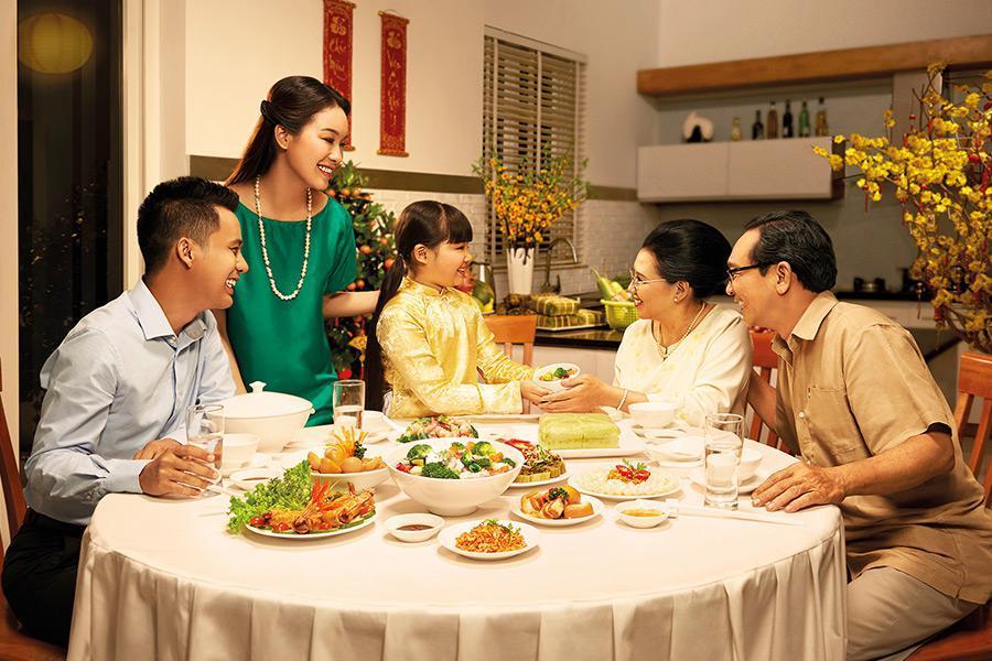 Cùng Hai Thụy Catering tổ chức tiệc gia đình ấm cúng